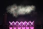 Ba Lan 'chơi' pháo hoa trên nền 25 bài hát