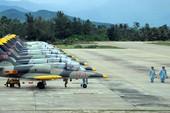 Không quân Việt Nam luyện tập với máy bay L39