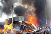 Huy động quân đội dập lửa vụ cháy ở Ngã tư Vũng Tàu
