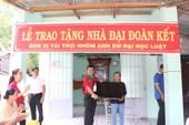 Phuc Khang Corp tặng quà cho hàng trăm gia đình khó khăn