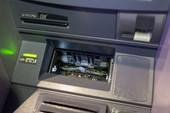Cảnh giác với thông tin bất thường về thẻ ngân hàng