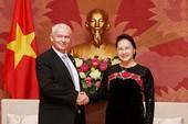 Chủ tịch Quốc hội tiếp viện trưởng VKS Tối cao Hungary