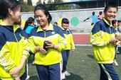 Trung Quốc quản lý học sinh bằng 'đồng phục thông minh'