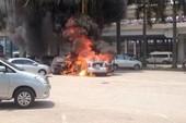 Cháy ô tô 4 chỗ tại sân bay Nội Bài, tài xế tử vong
