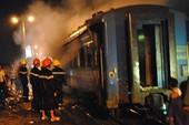 Công bố nguyên nhân tàu lửa đang chạy bốc cháy ở đèo Cả