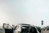 Kinh hoàng xe Huyndai đâm xuyên dải phân cách trên cao tốc Nội Bài - Lào Cai