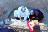 Kì lạ: Di cốt hòa thượng đã chôn mấy chục năm mà không phân hủy