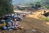Dân địa phương 'tố' du khách xả rác bẩn Sa Pa