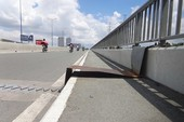 Sở GTVT phản hồi về miếng sắt nhô lên trên cầu bộ hành