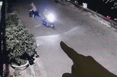 Cảnh sát mật phục bắt kẻ ném chất bẩn vào nhà con nợ
