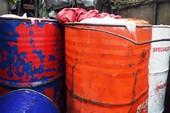 Xe tải chở 2.000 lít xăng dầu nghi trộm cắp trên đèo Hải Vân