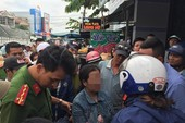 Người dân vây 1 bệnh nhân vì nghi bắt cóc