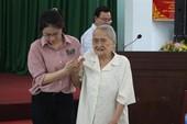 Cử tri 93 tuổi bức xúc việc tụ tập gây rối