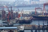 Tàu chở đậu tương Mỹ như 'lục bình trôi' ngoài khơi Trung Quốc