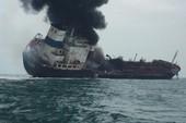Tàu chở dầu treo cờ Việt Nam bốc cháy ở Hong Kong