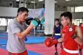 Võ sĩ Việt Nam đấu boxing với cựu vô địch thế giới