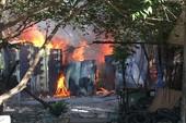 Hỏa hoạn thiêu rụi nhà dân và 7 phòng trọ ở Bình Chánh