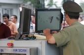 Phát hiện hành khách Mỹ mang súng tại sân bay Nội Bài