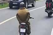 Đã tìm ra thanh niên chạy xe máy bỏ hai tay khi đổ đèo Prenn
