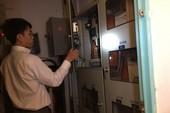 Dân chung cư bị cắt điện vì nợ... phí quản lý