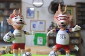 Thầy giáo về hưu làm linh vật World Cup 2018 bằng vỏ trứng