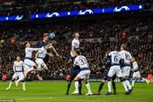 Barcelona bị cầm chân, Kane giúp Tottenham nuôi hy vọng