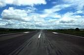 Máy bay lại đáp nhầm đường băng ở Cam Ranh