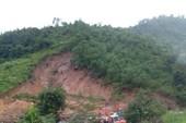 Sạt lở núi, 3 người trong gia đình bị chết, mất tích