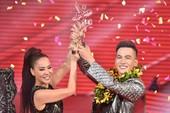Ali Hoàng Dương đoạt quán quân Giọng hát Việt 2017