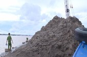 1 thanh niên nghi bị cát dìm chết trên sông Cổ Chiên