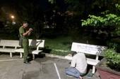 Phát hiện người đàn ông gục chết trong công viên