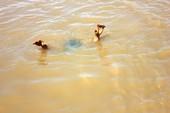 Hai học sinh tiểu học tử vong khi đi câu cá
