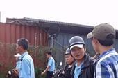Bị chậm lương, 200 nhân viên xe buýt tập trung phản đối