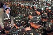 Ông Duterte bảo quân đội thà tự sát chứ không đầu hàng