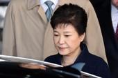 Bà Park Geun-hye từ chối xem TV, đọc báo trong tù