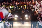 Bà Park Geun-hye rời Nhà Xanh, xin lỗi người ủng hộ