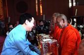 Phó Thủ tướng Vương Đình Huệ chúc Tết Chol Chnăm Thmây