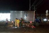 Tông đuôi xe tải, 1 người đàn ông tử vong  