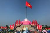 Thượng cờ Tổ quốc mừng Ngày thống nhất non sông