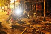 Hoang tàn sau vụ cháy kinh hoàng quán karaoke ở Hà Nội