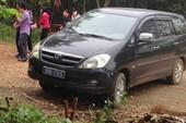 Cảnh cáo cán bộ dùng xe công đi lễ chùa giờ hành chính