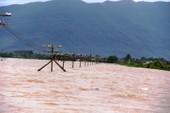 Miền Trung lũ lụt diện rộng, thủy điện ngưng xả lũ