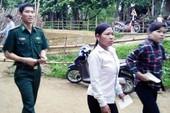 Cử tri dân tộc Chứt được xe đến tận nhà chở đi bầu cử