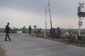 Nữ sinh lớp 10 bị tàu hoả tông rơi xuống sông, tử vong