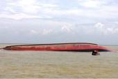 10 thợ lặn vào trong tàu VTB26 tìm người mất tích