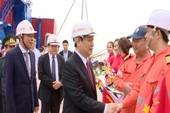 Phó Thủ tướng Vương Đình Huệ nhấn nút mở cầu cảng biển