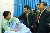 Chủ tịch nước tặng quà lực lượng cứu hộ nạn nhân bị sập hầm