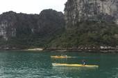 Quảng Ninh cho chèo kayak, dừng hoạt động xuồng cao tốc