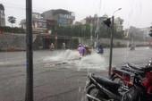 Hải Phòng bất ngờ ngập lụt vì mưa quá to