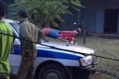 Dân cạy cửa xe, đưa CSGT gặp nạn đi cấp cứu